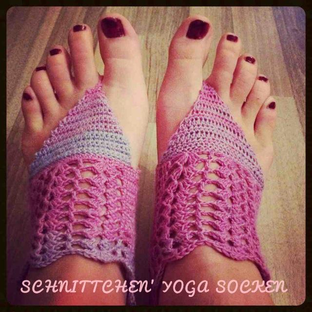 Meine ersten gehäkelten Yoga Socken und die Suche nach Probe-Häkler/innen