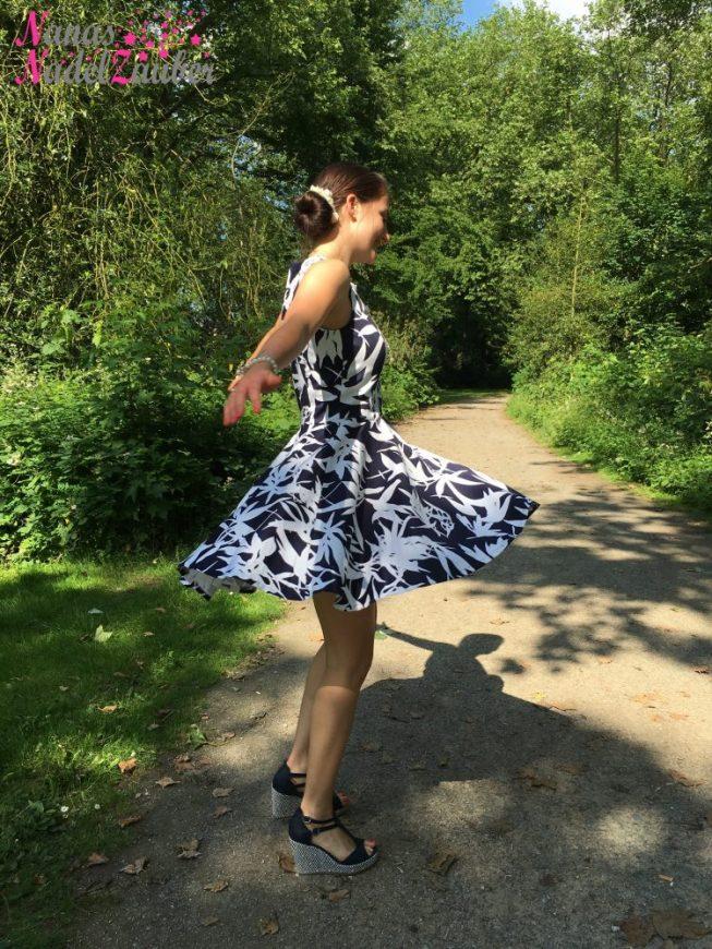 Liebes Tagebuch, heute nähe ich ein Kleid